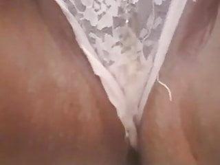 Asian slut pissing - My indian slut pissing her kninkers