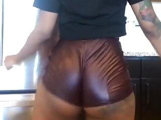 Mizz twerksum naked photos Miss twerksum booty shorts comp2