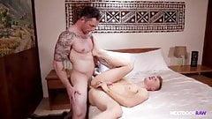 Гей-секс: Markie Moore и Alex Tanner (без презерватива)