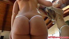 Bootylicious gaping babe pleasured wit toys