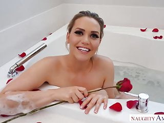 Miss america strip Naughty america wife caught in the bathtub