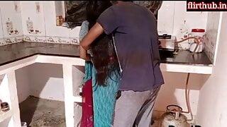 Brother In Law Ne Mosi Ki Kitchen Me Chudai kari