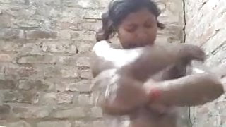 Bhabhi has bathing sex
