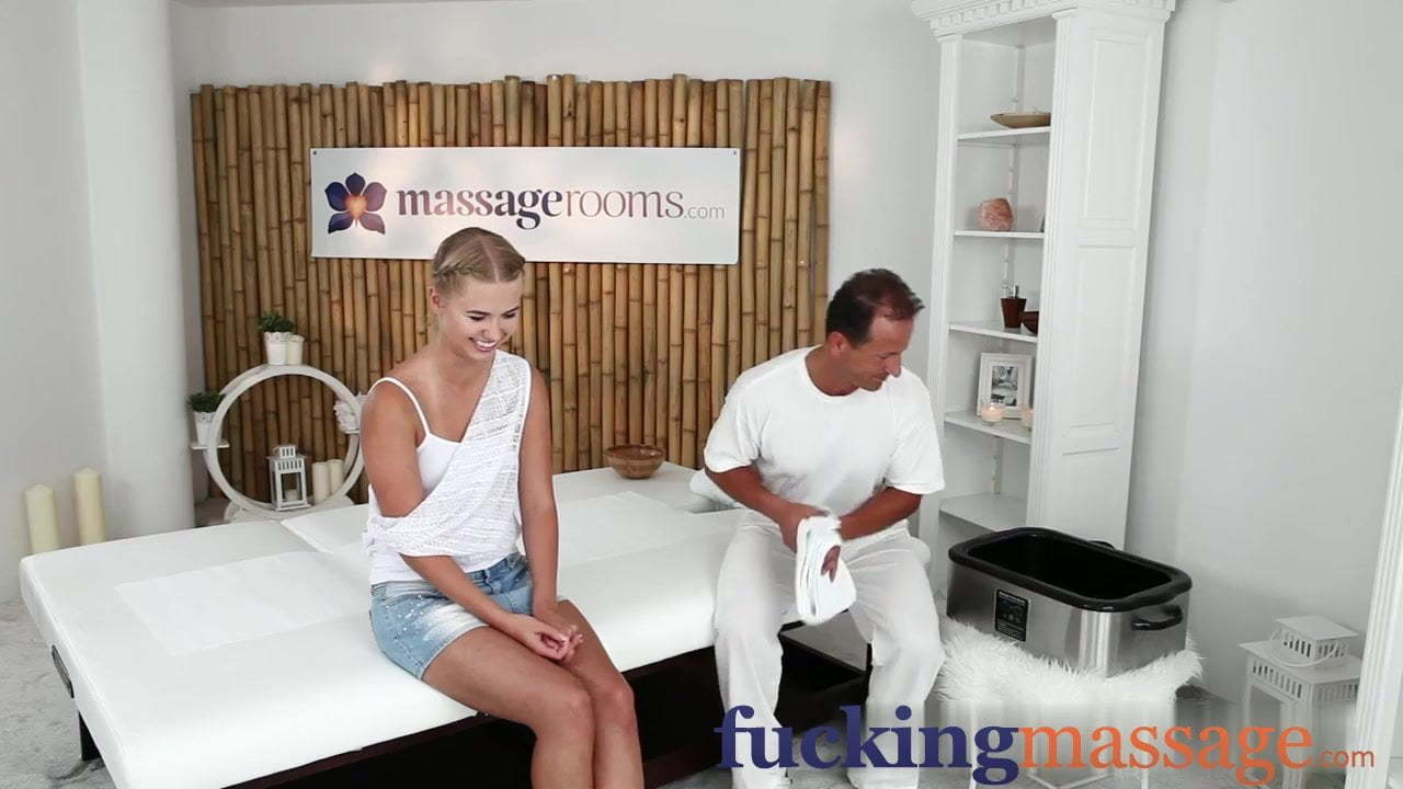 Dad Eats Daughters Creampie