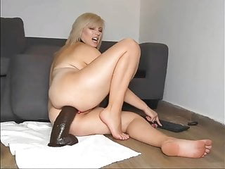 Pregnant anal hentai Pregnant anal fuck with a huge toy