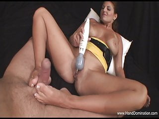 Daily has penis shemale Mature babe has her way with slave penis