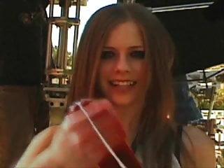 Avril lavign is chubby - Avril lavigne wichst ein schwanz