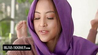 Muslim Girl Alexia Anders Sneaks Her Boyfriend In