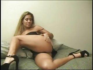 Girl using a dildo Big tits hottie using a dildo to get off