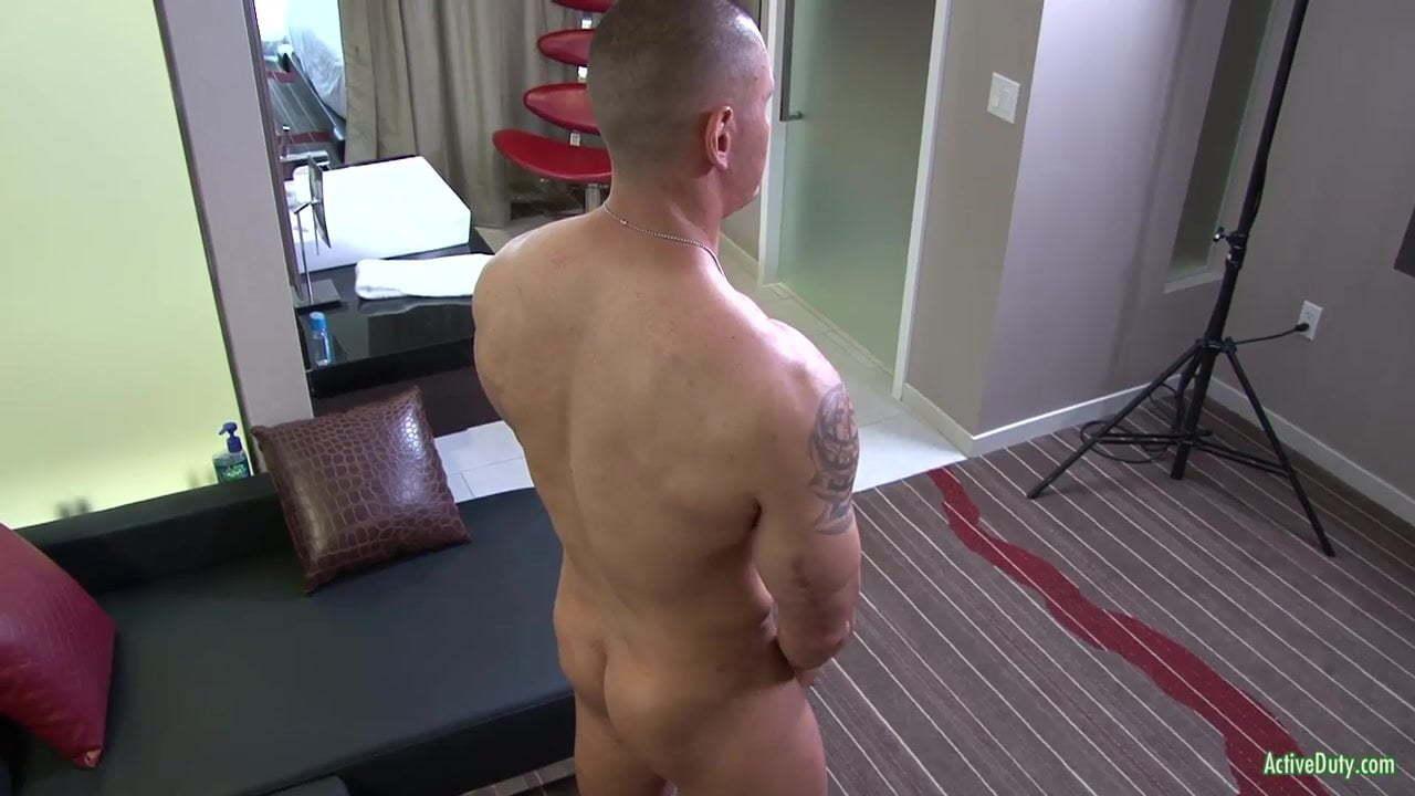 Musclematt Gay Porn activeduty presents muscular matt