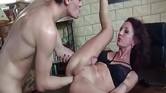 Young boy fuck and hist a mature woman