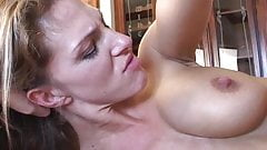 Hot MILF Roxanne