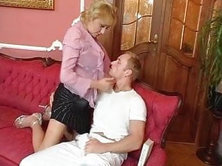 Free huge saggy tits pics Huge saggy tits granny fucked young guy stockings