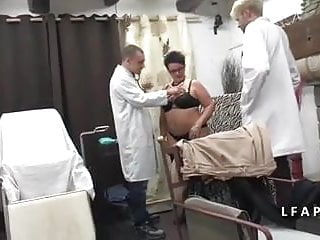 Gays maman pito culito caliente - Bbw grosse maman femme fontaine se fait dilater chez le doc