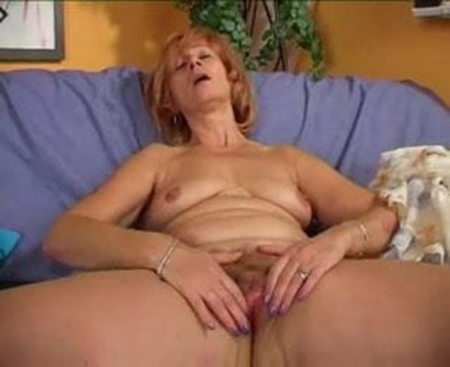 redhead hairy pussy gefickt zu
