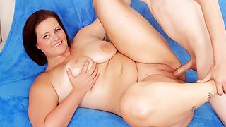 Amazing Plumper Amanda Foxxx Gets Railed