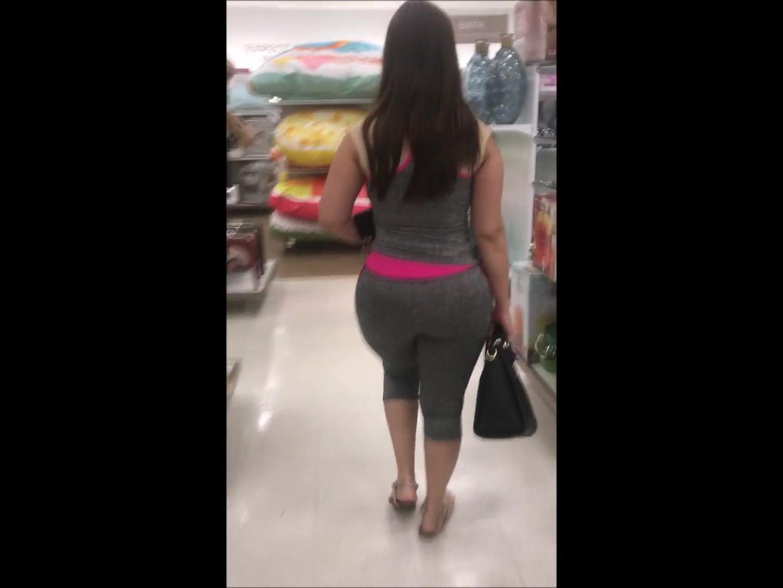Big Booty Latina Masturbates