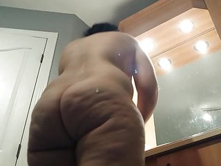 Naked lady golf tees Voyeur - naked big fat ass on mature lady