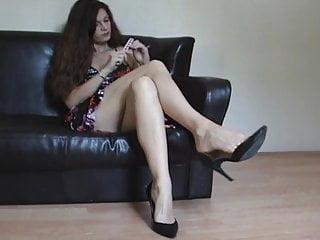 Bare leg glamour tgp Bare legs dangling
