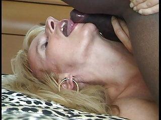 Deauxma fucking 3 black guys 38 1-3 black guy 1on1 sex fucking doggy cumshot swallowing