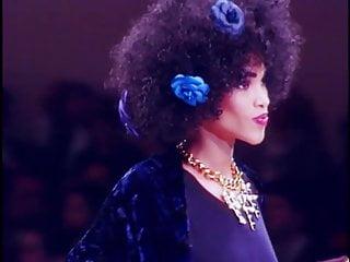 Sexy fashion runway pictures 1991 runway fashion show