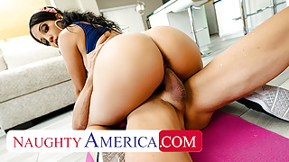 Naughty America - Misty Quinn's phat ass bounces on cock