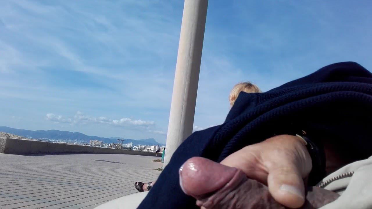 Dick flash wanking for granny