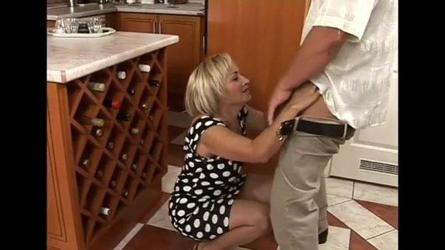 Mature kitchen porn