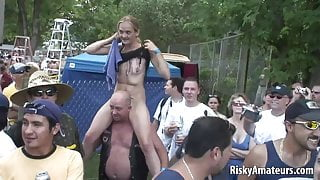 Smoking hot girls next door reveal their sexy bodies