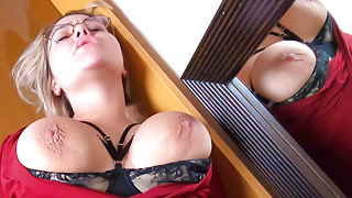 Pick Up - Big Tits Girl Fucks In Hotel without a Condom