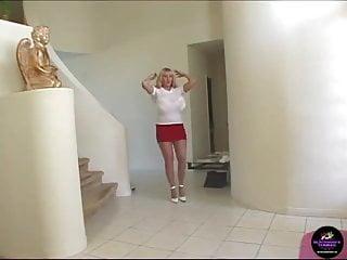 Kayla kleevage in pink bikini Kayla kleevage - anal and a facial