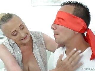 Big boob dancing granny Big boob granny with nice boobs