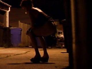 Maggie gyllenhaal peeing scene Peeing scene 9