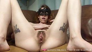 Vends-ta-culotte - French Beautiful Girl Masturbates at home