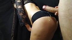 Teen with a big ass gives handjob