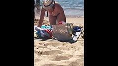 Voyeur a la plage (155) - Topless big boobs MILF on beach