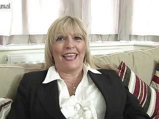 Grannies shows tits Hot british mother shows her great tits and masturbates