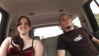 Hunk licks slut's nipples before she blows him in the car