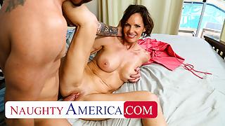 Naughty America - Hot Milf Ainsley Adams fucks a young cock