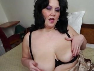 Sweet girls sex videosv - Sweet bbw mature fucks herself gently