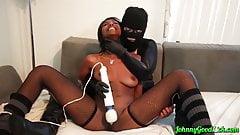 JOHNNYGOODLUCK Ebony Daizy Cooper Fingered By Lesbian Thief