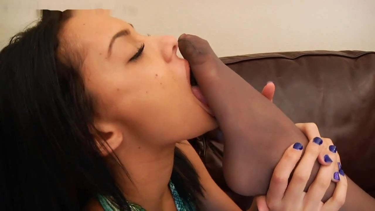 Dirty Lesbian Foot Worship