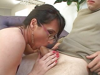 Fetish facial Milf loves to play with a big cock