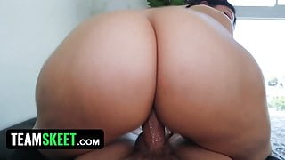 Chubby Stepsister Valentina Jewels Leaves My Room With Cum
