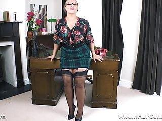 High heel jerk off Curvy jerk off instructor strips to heels nylons for wanking