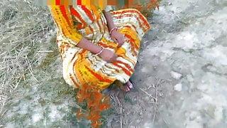 Village desi bhabhi and devar outdoor shot back home