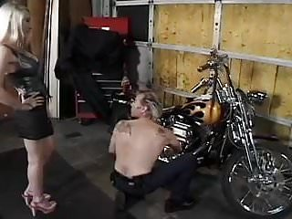 King midget motor company - Long nailed motor chick gets fucked