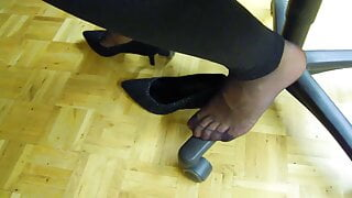 mother in very stinky pantyhose