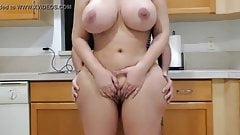 BIG ASS STEPMOM FUCKS