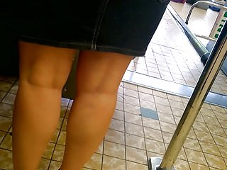 Dangling heels voyeur Sexy legs, heels and dangling
